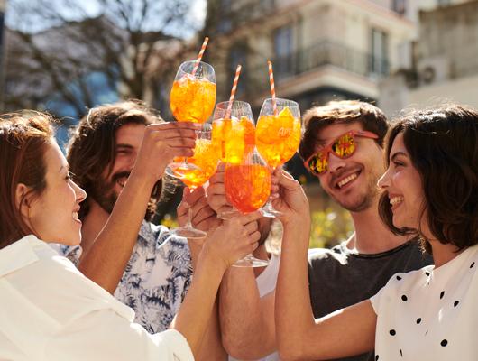 Mit Aperol Spritz Orange durch den Sommer!
